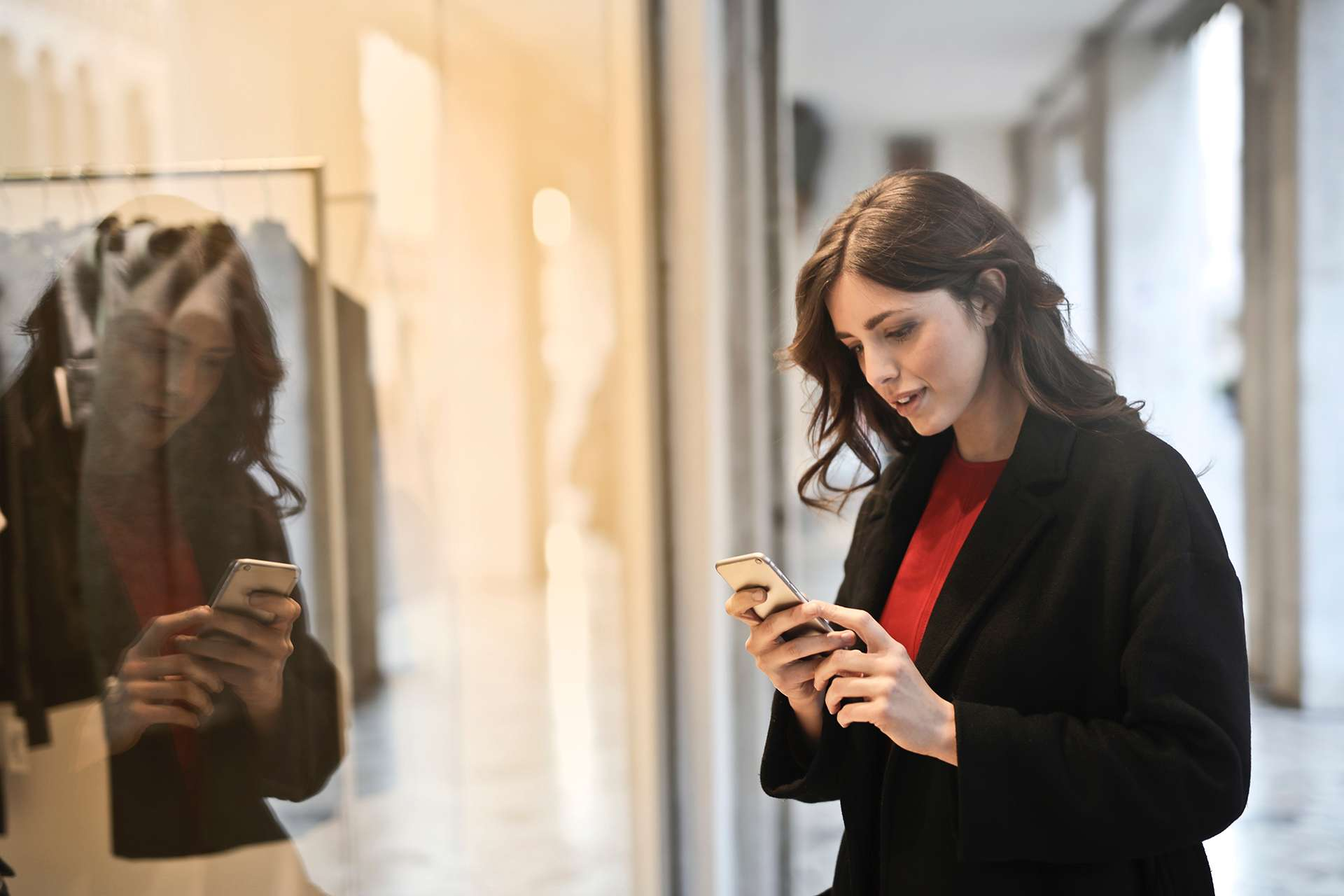 Are the Mobile Online Stores Critical for Increasing Sales?